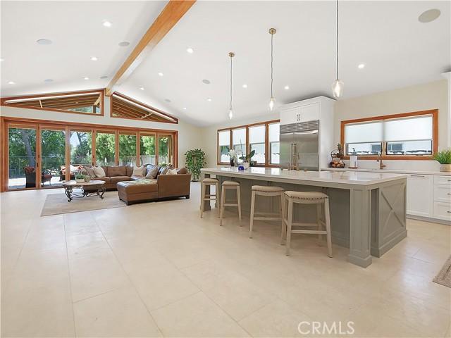 4. 19 Dapplegray Lane Rolling Hills Estates, CA 90274