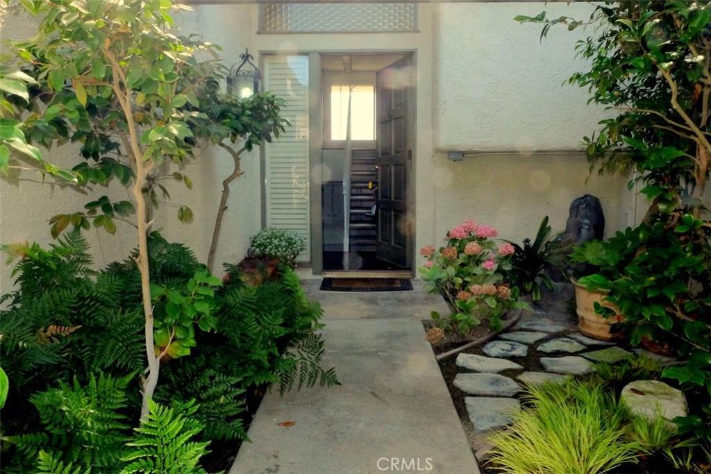 Photo of 11 Cottonwood Circle, Rolling Hills Estates, CA 90274