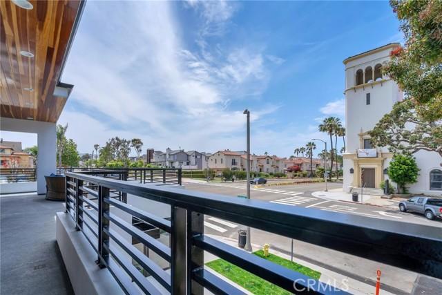 32. 242 S Broadway Redondo Beach, CA 90277
