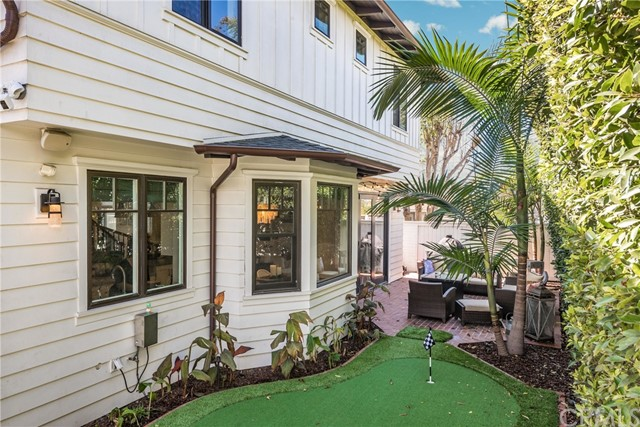 1135 18th Street, Manhattan Beach, California 90266, 4 Bedrooms Bedrooms, ,4 BathroomsBathrooms,For Sale,18th,SB21048348