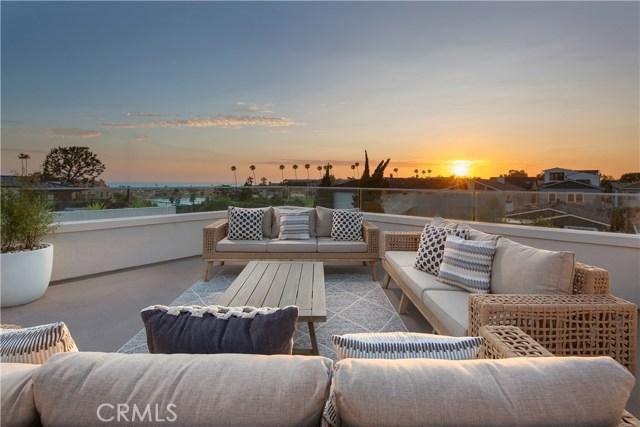 Photo of 424 Carnation Avenue, Corona del Mar, CA 92625