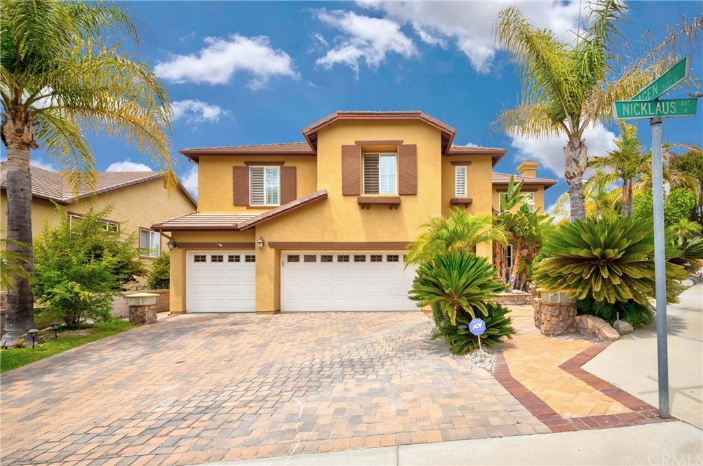 1581 W Nicklaus Avenue For Sale