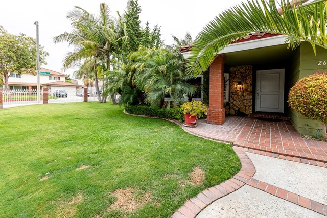 2617 S Center Street, Santa Ana, CA 92704