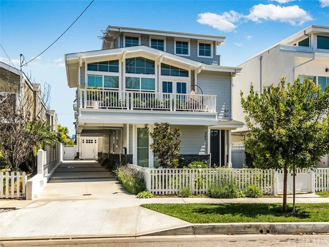 Photo of 204 S Helberta Avenue #B, Redondo Beach, CA 90277