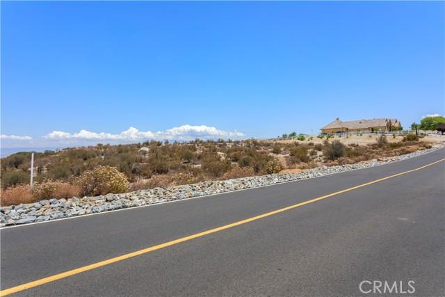 31690 Via Del Senor, Juniper Flats, CA 92548 Photo 4