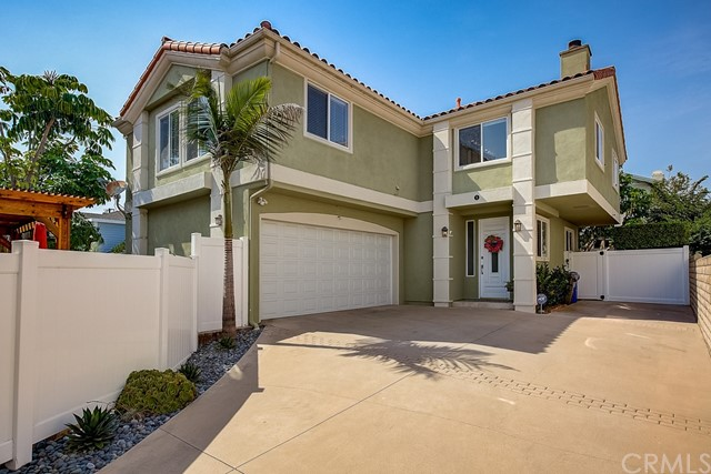 2407 Harriman Lane B, Redondo Beach, California 90278, 4 Bedrooms Bedrooms, ,2 BathroomsBathrooms,For Sale,Harriman,SB20169049