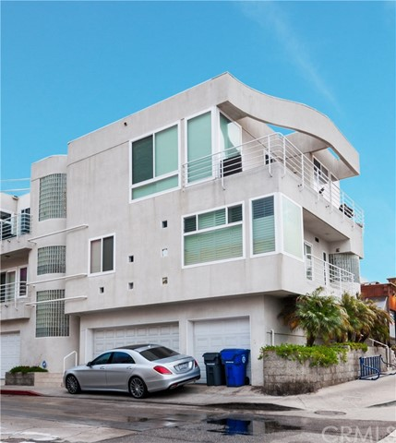 302 35th Street, Manhattan Beach, California 90266, 3 Bedrooms Bedrooms, ,2 BathroomsBathrooms,For Rent,35th,SB19279812