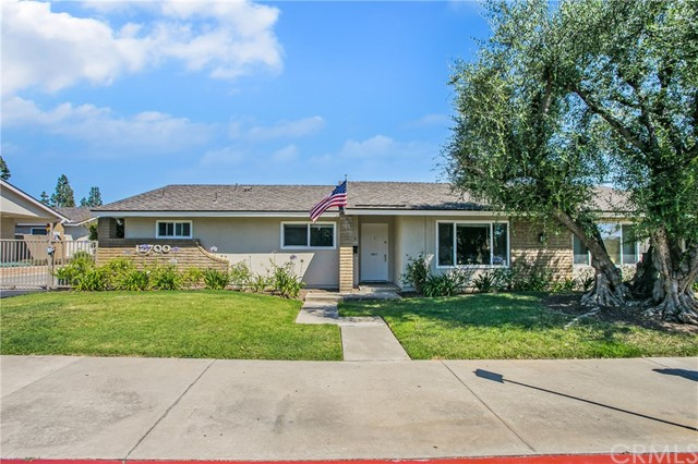 Property for sale at 12700 Newport Avenue Unit: 4, Tustin,  California 92780