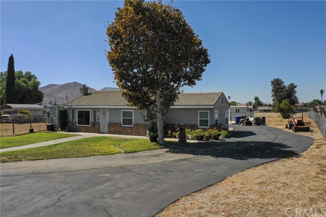 10746 Maple Avenue, Bloomington, CA 92316