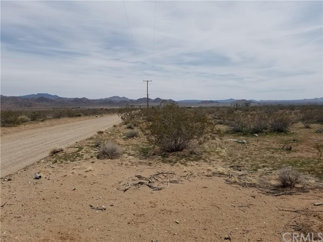 304 Spinel St, Lucerne Valley, CA 92356 Photo 7