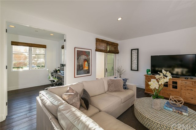 1118 Ardmore Avenue, Manhattan Beach, California 90266, 3 Bedrooms Bedrooms, ,3 BathroomsBathrooms,Townhouse,For Sale,Ardmore,SB19022505