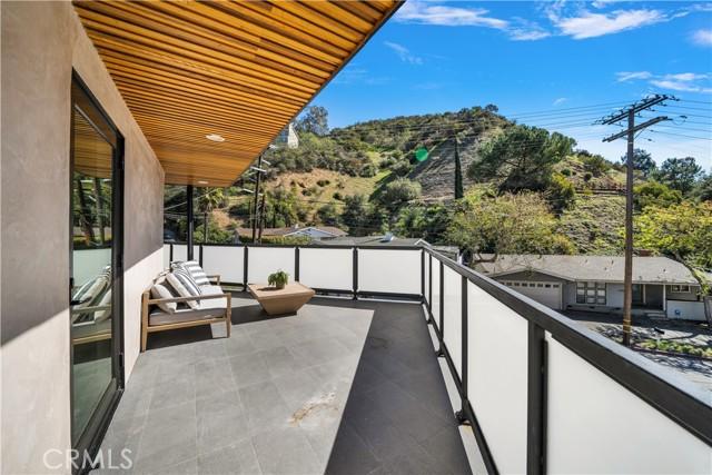 48. 2743 Laurel Canyon Boulevard Los Angeles, CA 90046