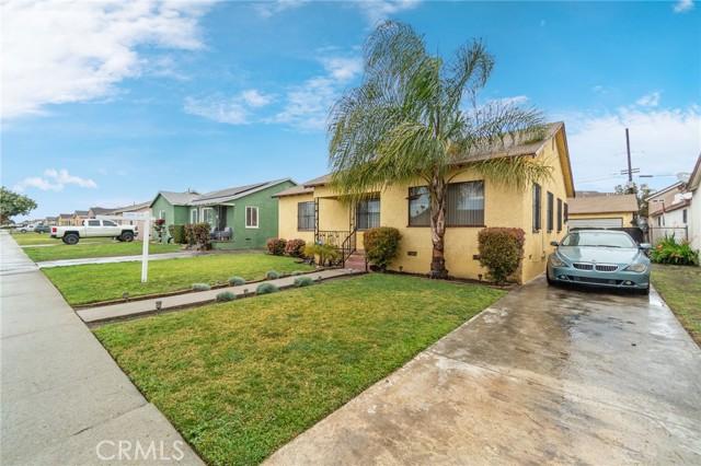 Photo of 921 W Almond Street, Compton, CA 90220