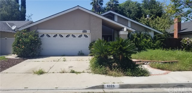 Back on the market! Need a cash buyer ASAP! 3 Bed, 2 Bath 1366 SQFT home. Bring your contractor! Needs a lot of work.