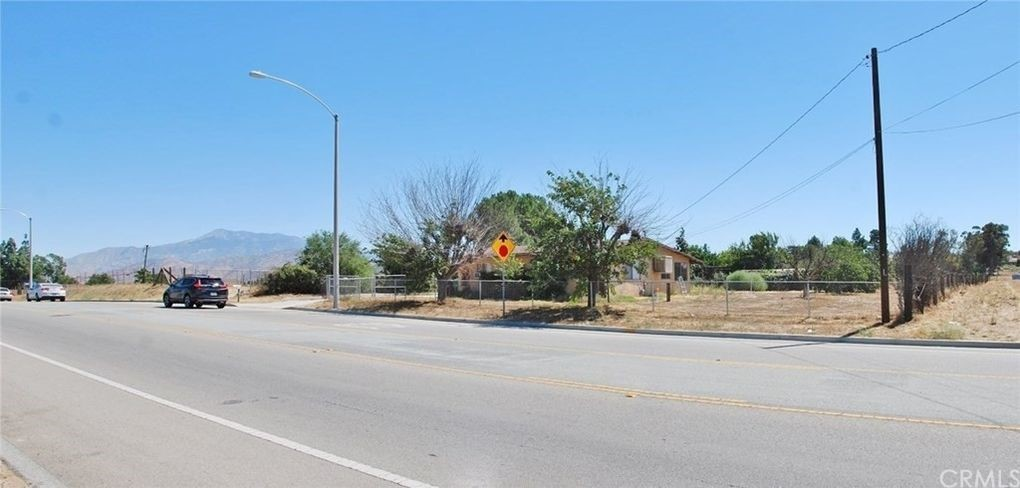 Photo of 909 E 1st Street, Beaumont, CA 92223