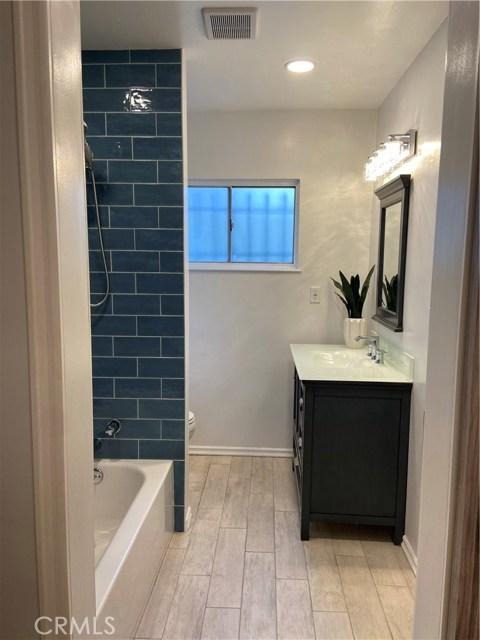 601 Olive Avenue, Long Beach, California 90802, 1 Bedroom Bedrooms, ,1 BathroomBathrooms,Condominium,For Sale,Olive,PW20257501