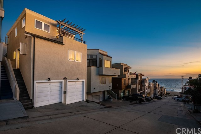 212 43rd Street, Manhattan Beach, CA 90266