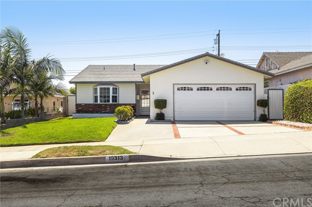 Photo of 19313 Northwood Avenue, Carson, CA 90746
