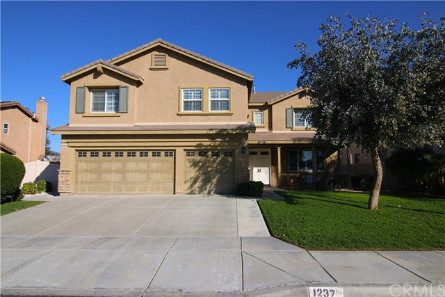1237 Huckleberry Lane, San Jacinto, CA 92582