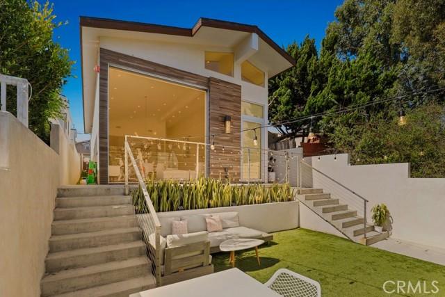 720 Rosecrans Avenue, Manhattan Beach, CA 90266