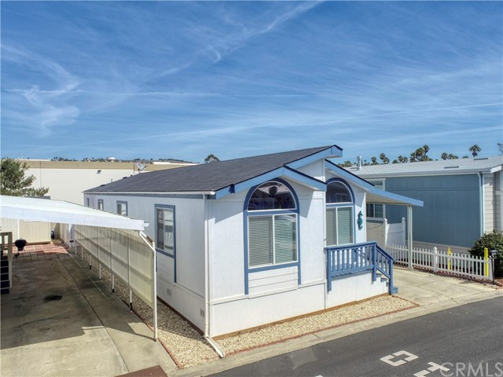 201 Five Cities Drive, Pismo Beach CA: https://media.crmls.org/medias/a1b898aa-620b-4925-b1aa-3808d68678c2.jpg