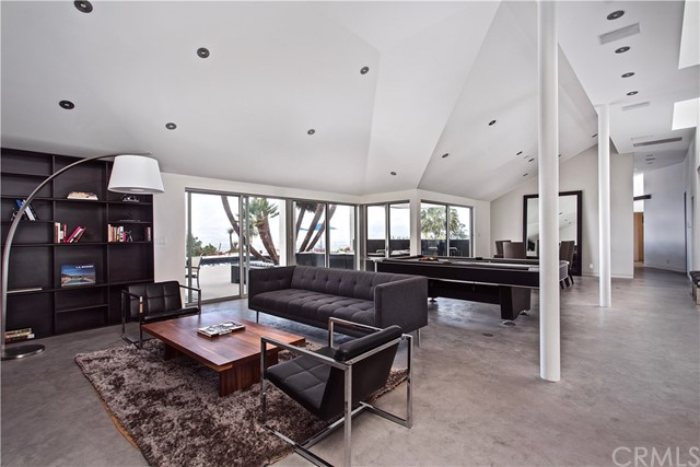 13741 Mulholland Drive, Beverly Hills, CA 90210