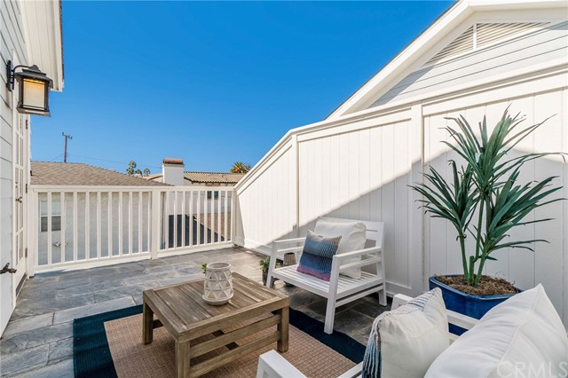 2604 Huntington Lane B, Redondo Beach, California 90278, 5 Bedrooms Bedrooms, ,3 BathroomsBathrooms,For Sale,Huntington,SB20209984