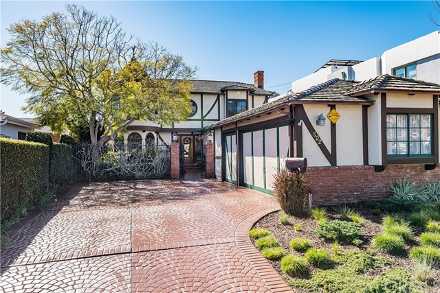 522 24th Place, Hermosa Beach, California 90254, 3 Bedrooms Bedrooms, ,3 BathroomsBathrooms,For Sale,24th Place,SB18039832