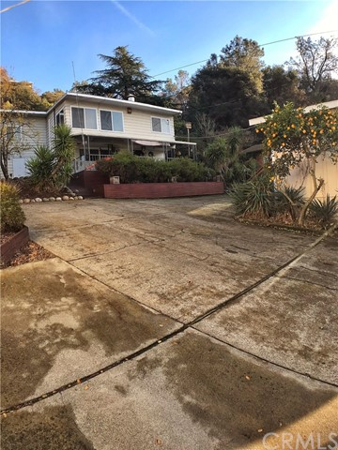 11485 Lakeshore Drive, Clearlake, CA 95422