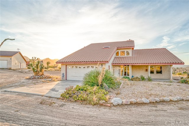 5594 Bronco Road, Pioneertown, CA 92268
