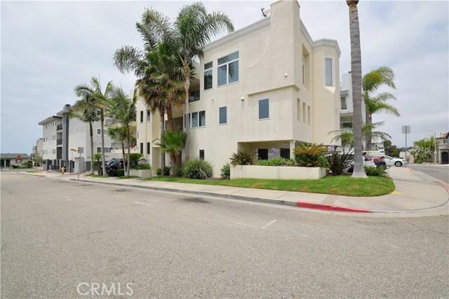 333 11th Street, Hermosa Beach, California 90254, 3 Bedrooms Bedrooms, ,3 BathroomsBathrooms,For Rent,11th,SB20114884