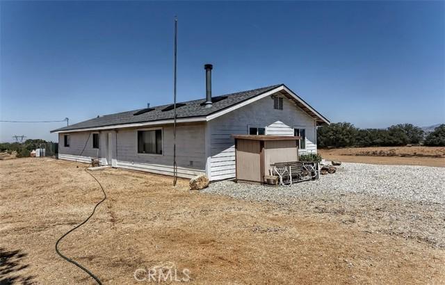 18. 5225 Bellflower Street Oak Hills, CA 92344