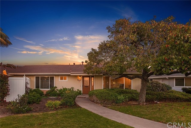 221 Monte 17, San Clemente, California 92672, 2 Bedrooms Bedrooms, ,1 BathroomBathrooms,For Sale,Monte,OC18285816