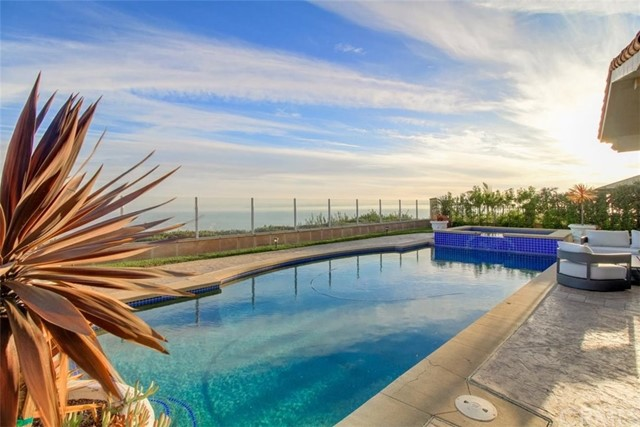 2980 Twin Harbors View Drive, Rancho Palos Verdes, California 90275, 5 Bedrooms Bedrooms, ,2 BathroomsBathrooms,For Sale,Twin Harbors View,PV20240284