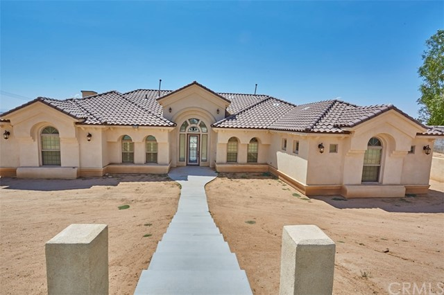 12914 La Cresta Drive, Apple Valley, CA 92308