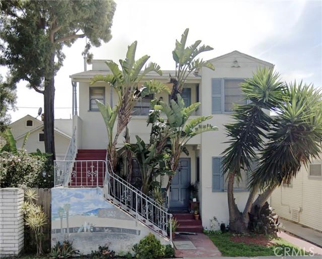 Cute Venice duplex in a great location.