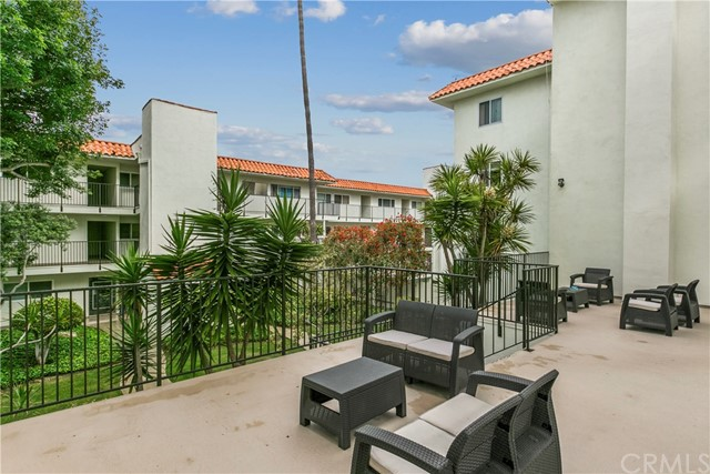 1720 Ardmore Avenue 223, Hermosa Beach, CA 90254