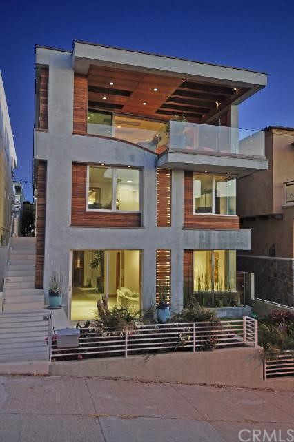 222 17th Street, Manhattan Beach, California 90266, 4 Bedrooms Bedrooms, ,3 BathroomsBathrooms,For Sale,17th,S10096775