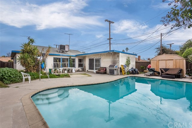 6907 Teesdale Avenue, North Hollywood, CA 91605