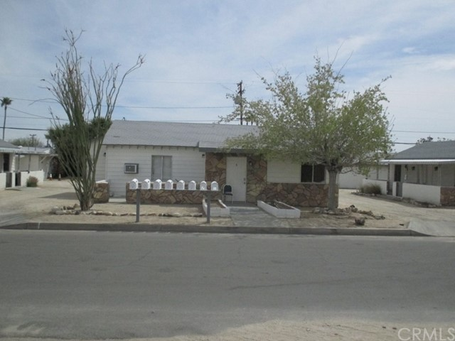 6433 Cholla Avenue, 29 Palms, CA 92277
