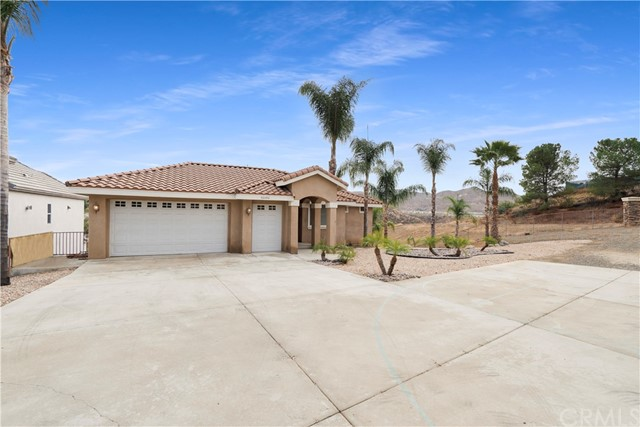 30490 Sparkle Drive, Canyon Lake, CA 92587