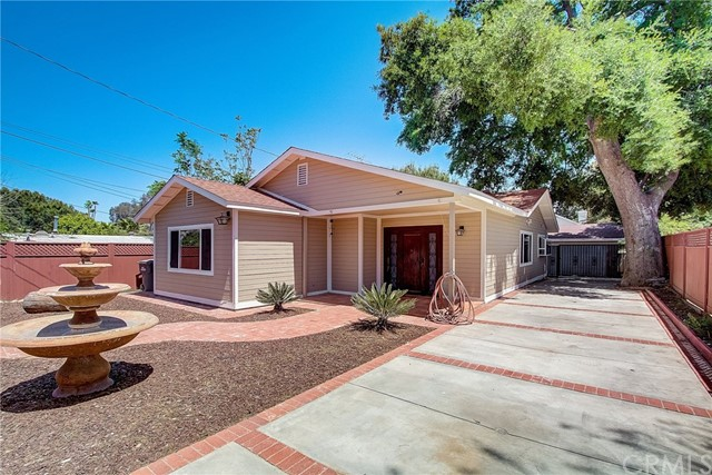 25076 De Wolfe Road, Newhall, CA 91321