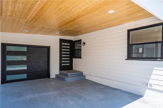 5. 6325 6th ave Los Angeles, CA 90043