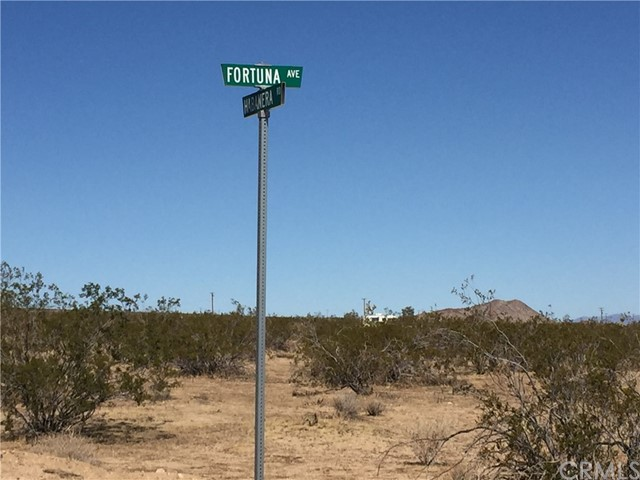 0 Habanera / Fortuna, Yucca Valley, CA 92285