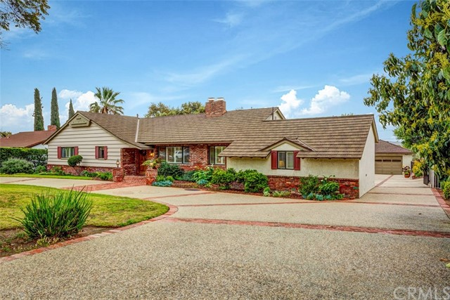 826 E Sierra Madre Avenue, Glendora, CA 91741