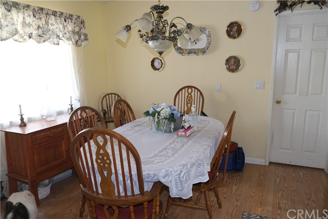 Window makes Dining Area - light and bright.