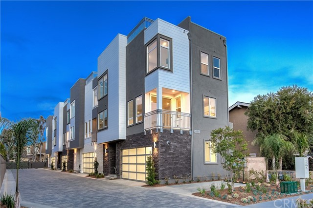 Photo of 2068 Maple Avenue, Costa Mesa, CA 92627