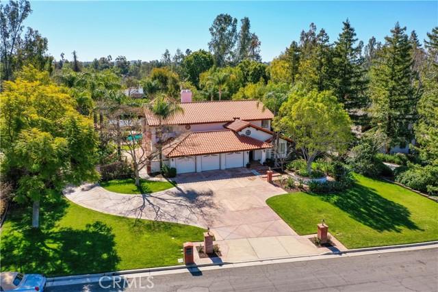 Photo of 1420 Ravenswood Lane, Riverside, CA 92506