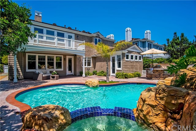 15 Castaways N, Newport Beach, CA 92660