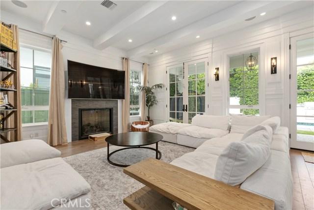 4660 Lemona Avenue, Sherman Oaks, CA 91403